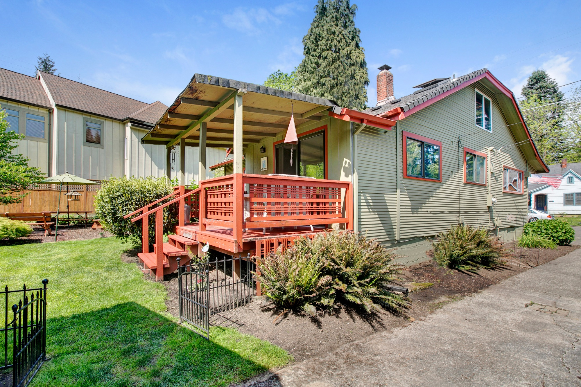 40_1570 Holly St., West Linn.jpg