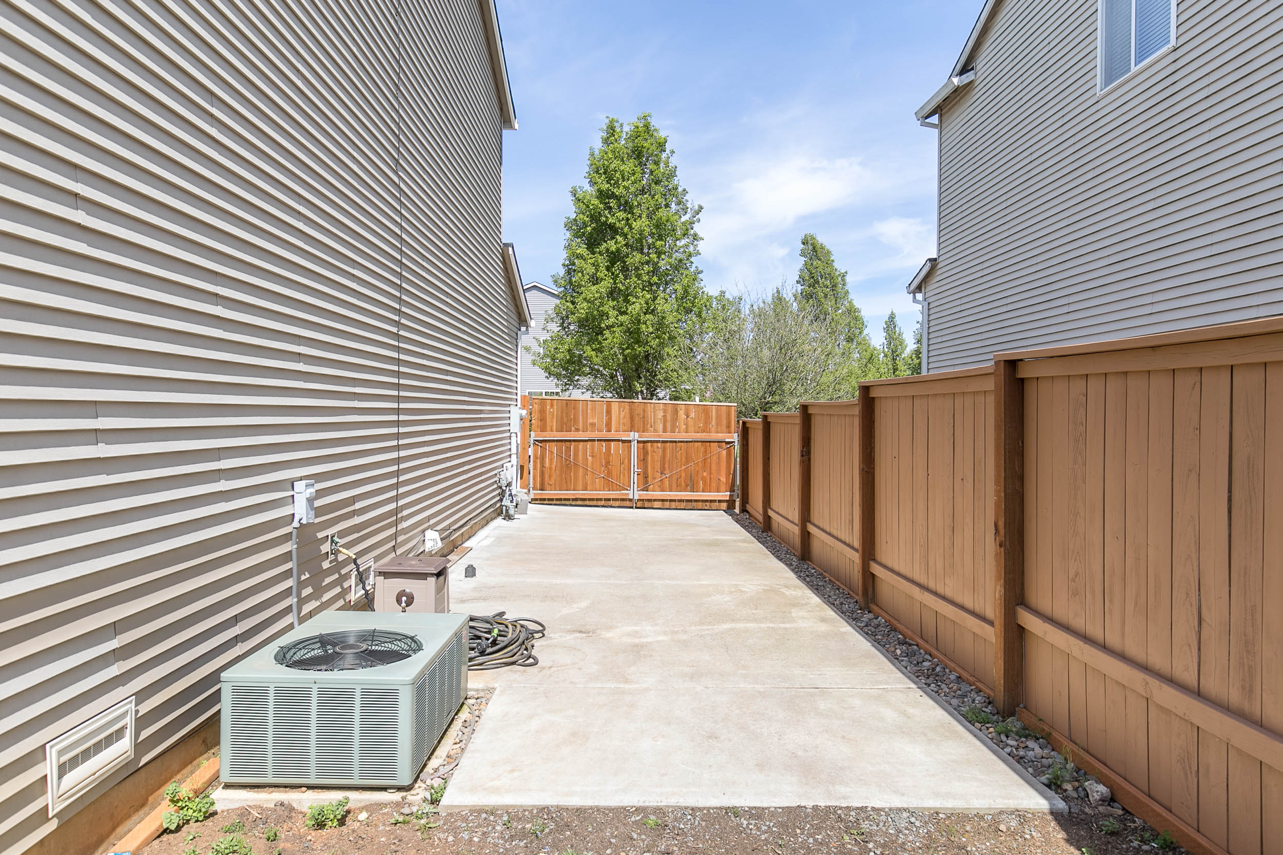 044_14372 Talawa Dr., Oregon City_MG_8043-HDR.jpg
