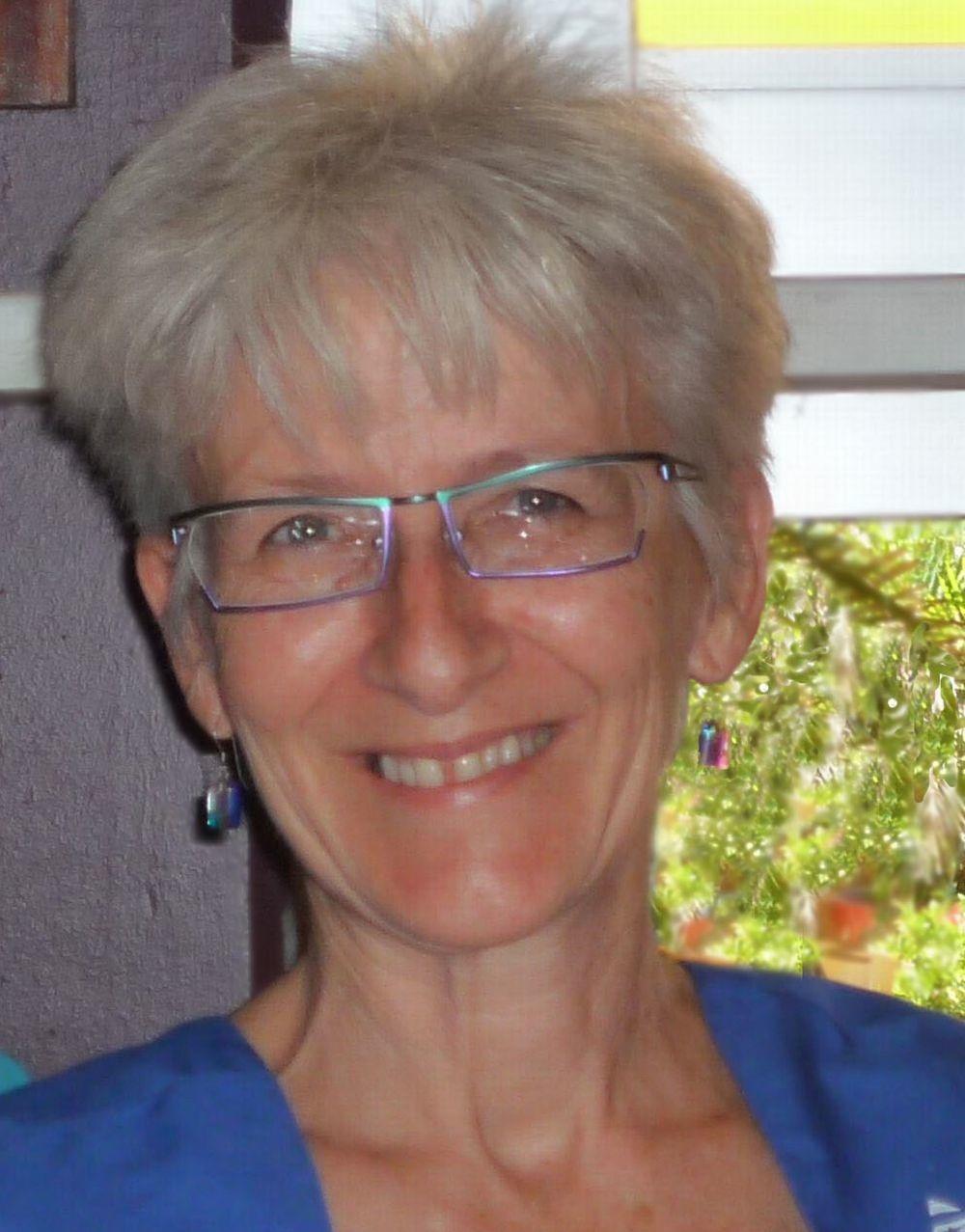 Sheryl_profile pix.jpg