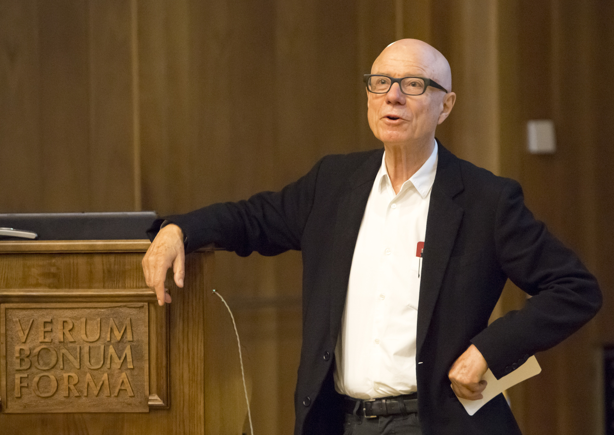 Rolf Fehlbaum speaks to students and faculty in the Palmer Center.