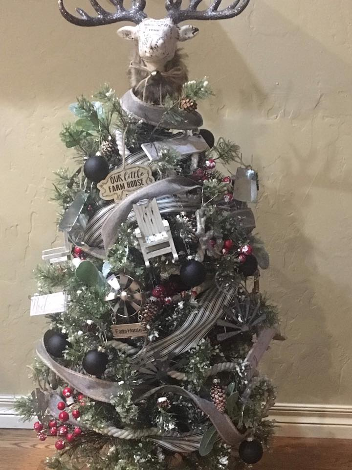 - Each member made a contribution to this tree project and Mary Barras did the decorating. Thanks Mary, you did a great job!