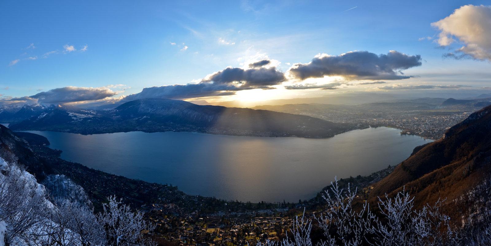 Lac d'Annecy, crépuscule d'hiver