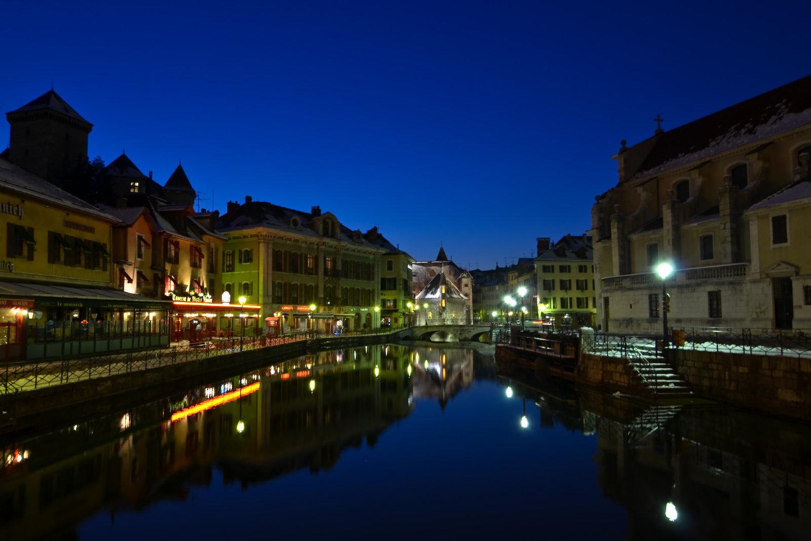 Nuit glaciale sur Annecy