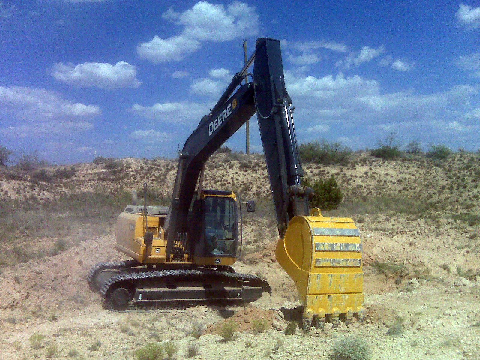 JD180 Excav clean.jpg