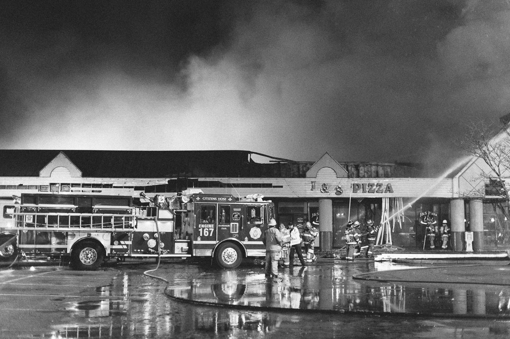_NJP5725-Natrona-Heights-Plaza-Fire.jpg