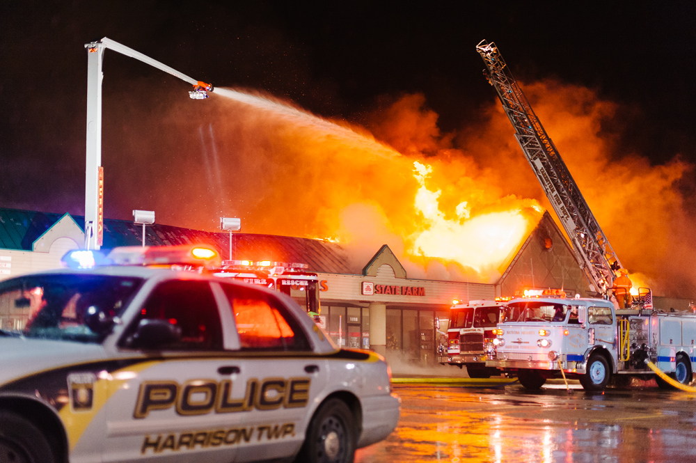_NJP5756-Natrona-Heights-Plaza-Fire.jpg