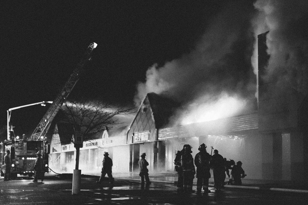_NJP5791-Natrona-Heights-Plaza-Fire.jpg