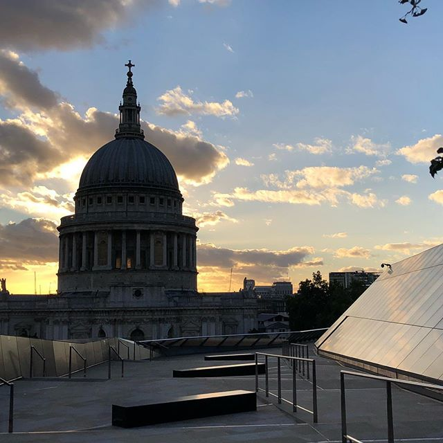 Ok St. Paul's Cathedral. Giving London #Sunset realness . . . #nofilter #londondiaries #StPaulsCathedral #iphonephotography