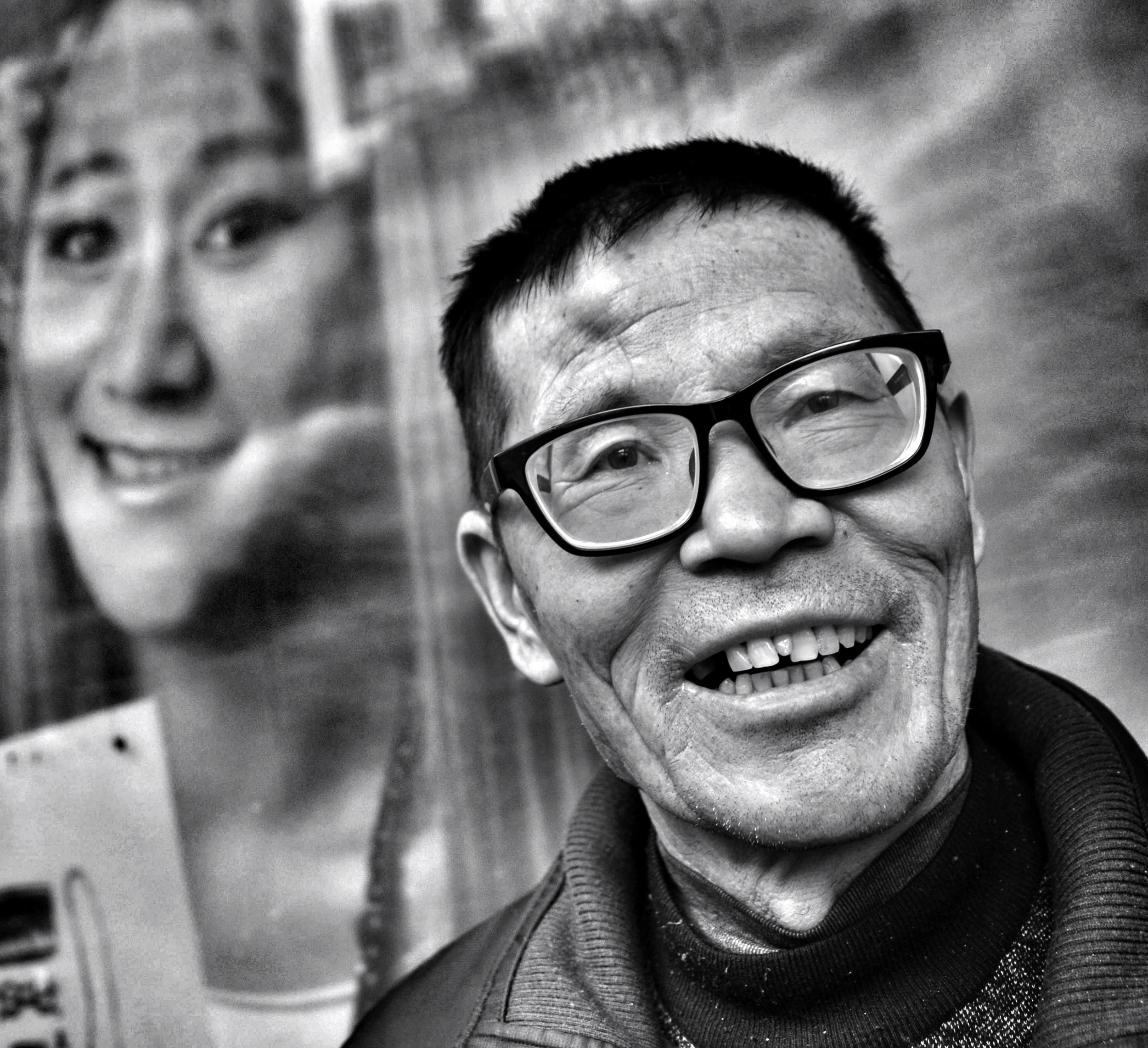 man at a bus stop, han zheng, wuhan