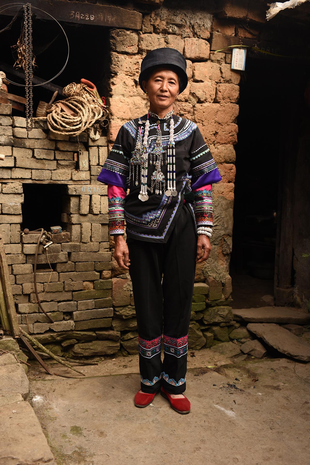 Li Apang, inheritor of Yi Lezuo traditional dance. Dieshi village, Yunnan, 2017.