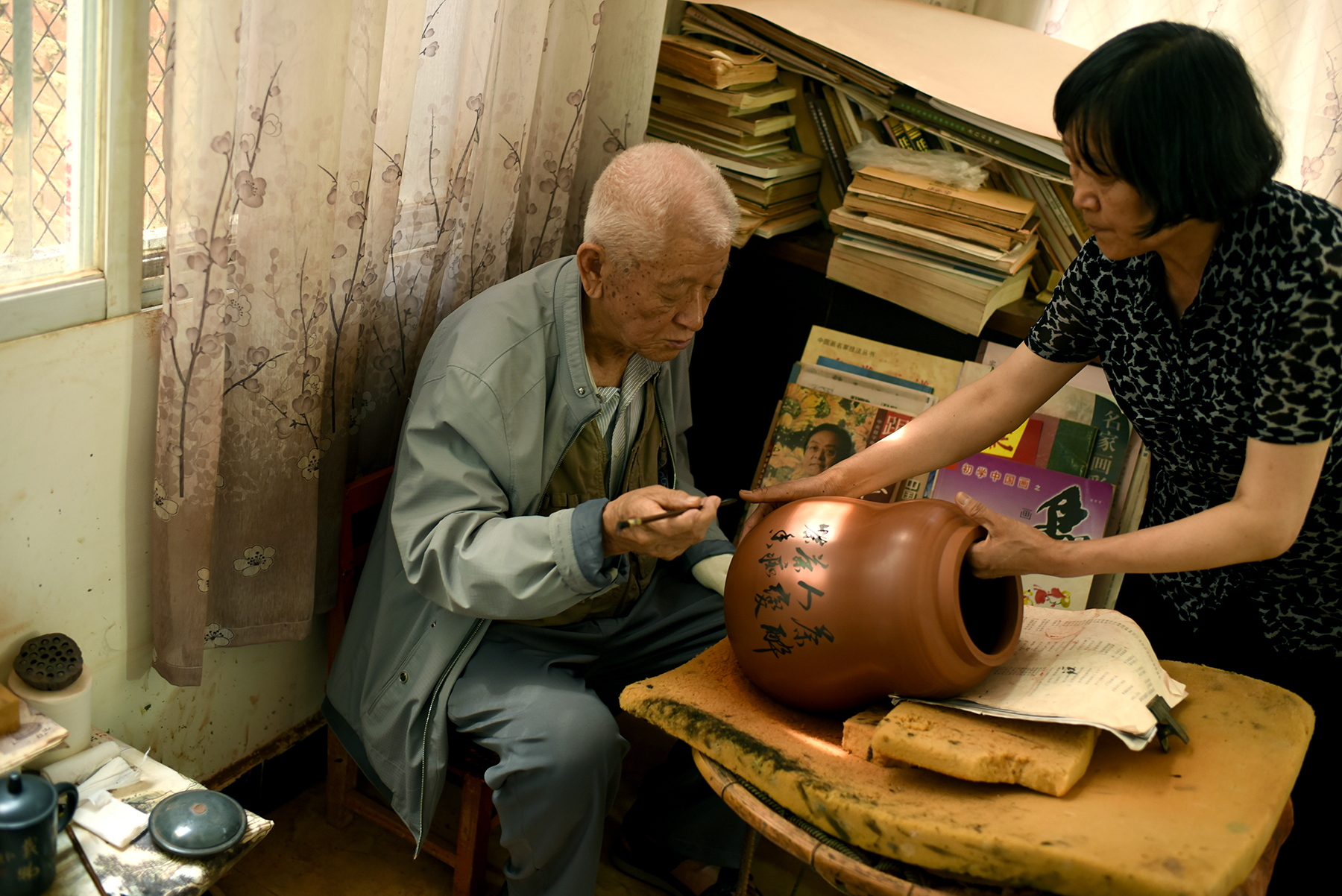Chen Shao Kong, Master and Inheritor of Purple Pottery Intangible Cultural Heritage, Jianshui, Yunnan Province.