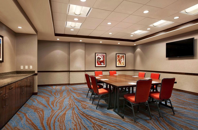 Hampton-Inn-Conference-Room.jpg
