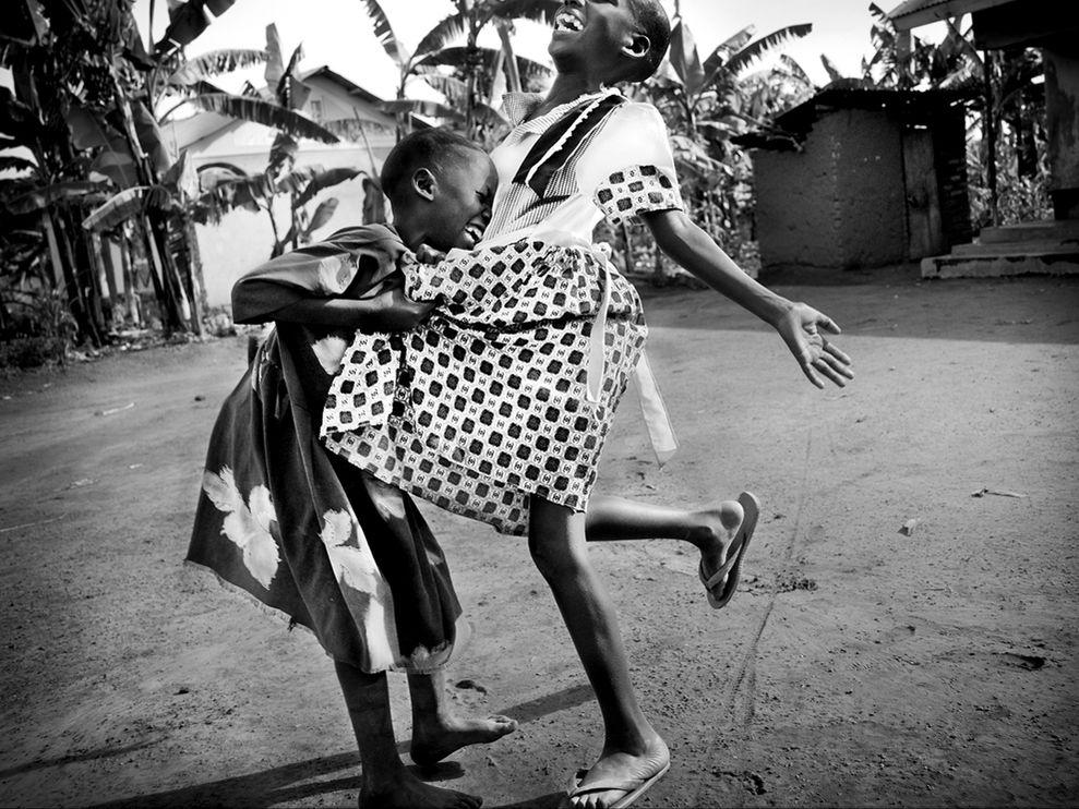 african-girls-laughing1.jpg