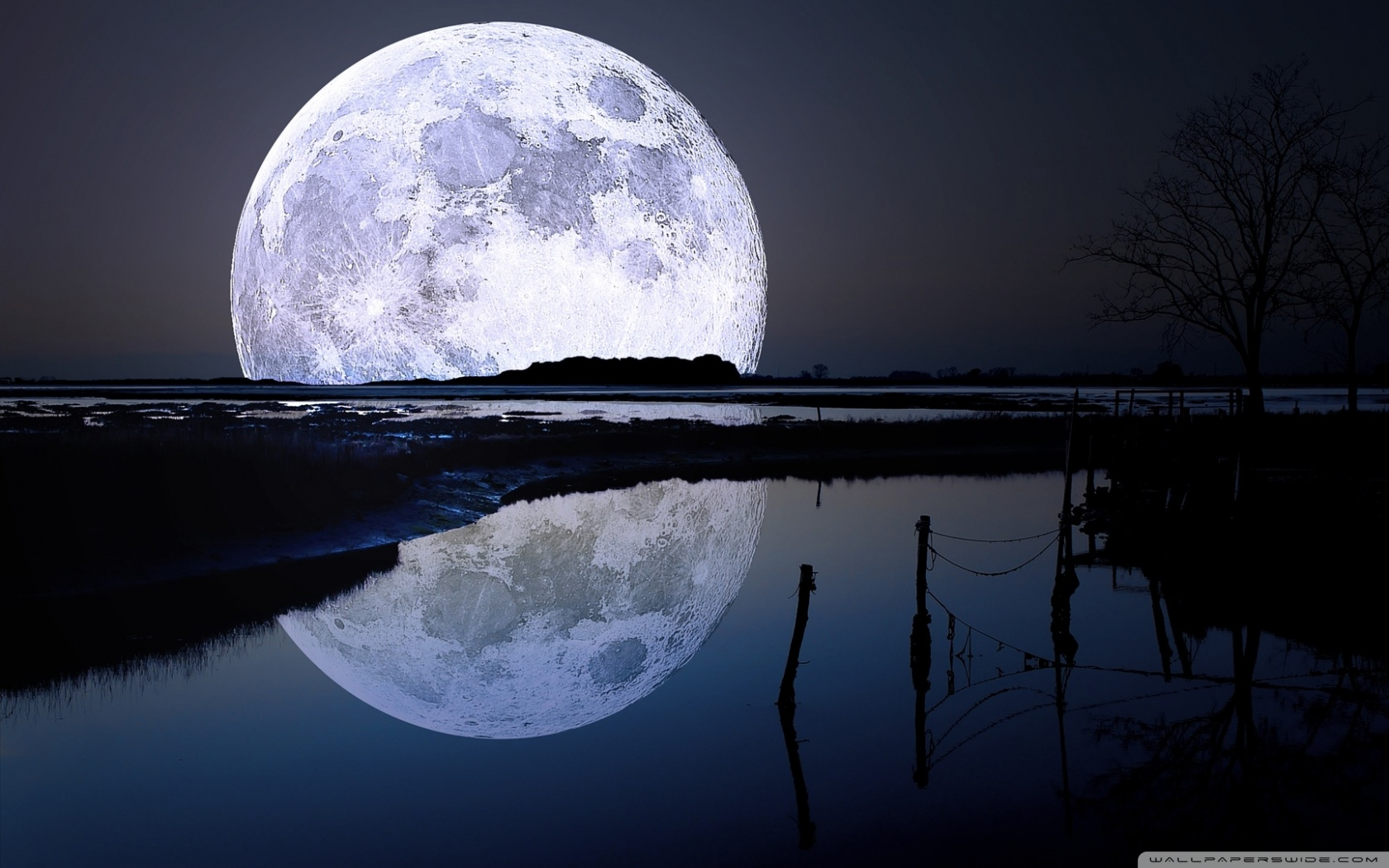 full_moon_reflection-wallpaper-1680x1050.jpg