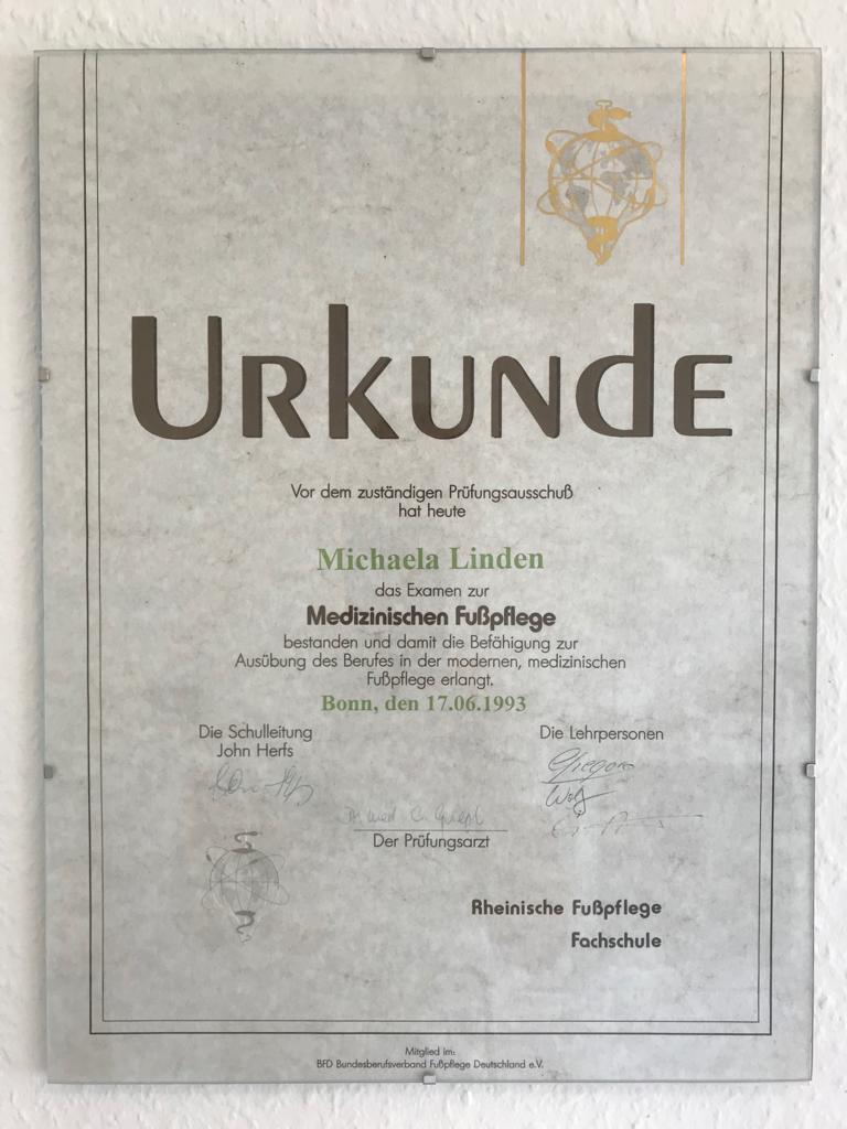 Urkunde_Fußpflege_1993.jpeg