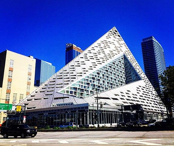 VIA 57 West, Manhattan - By Razvan Dinu - Own work, CC BY-SA 4.0,  Link