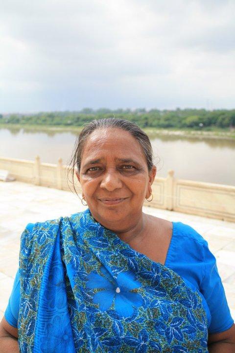 Indian woman at TAj Mahal
