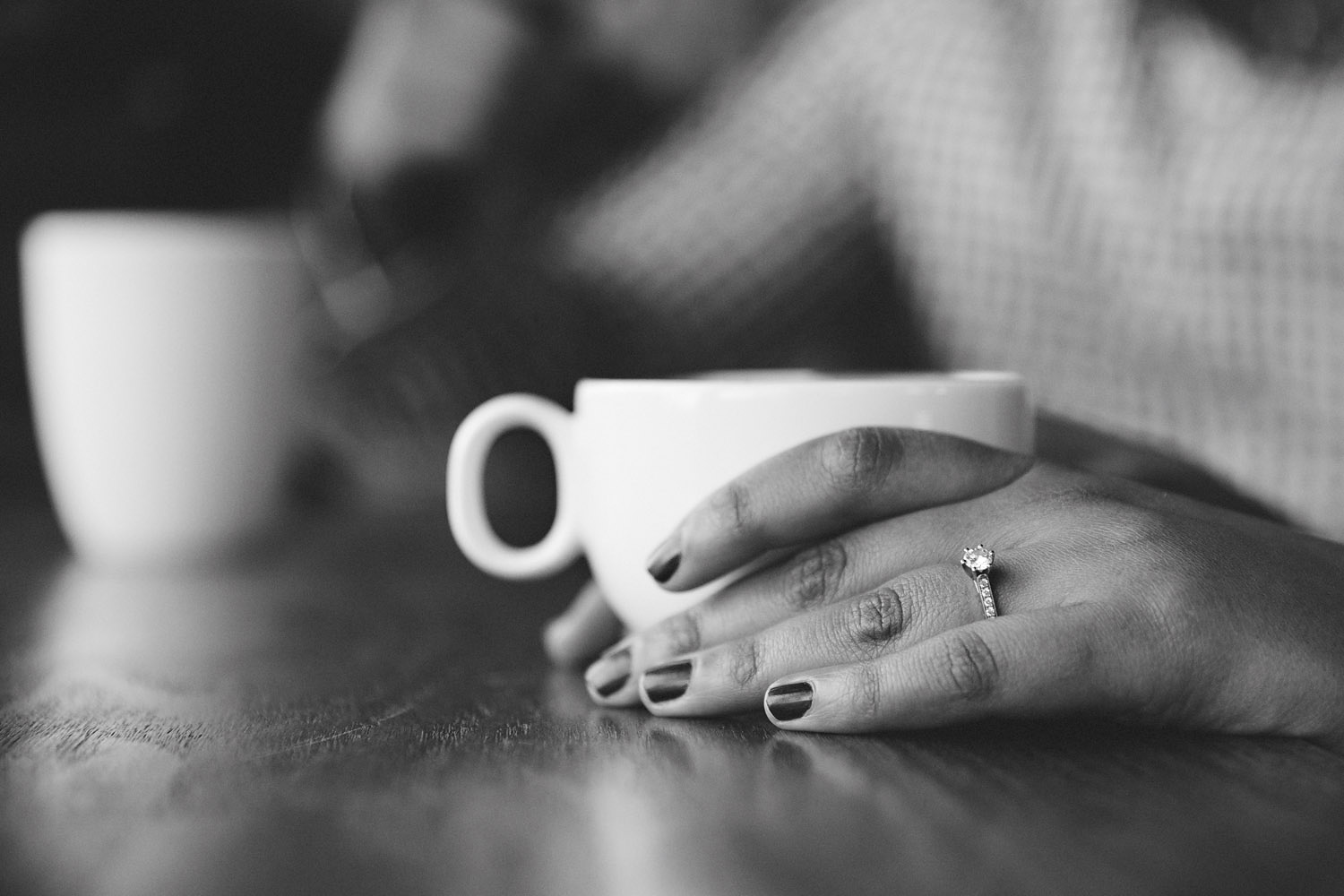 167-beaches-cafe-winter-engagement-session-in-toronto.jpg