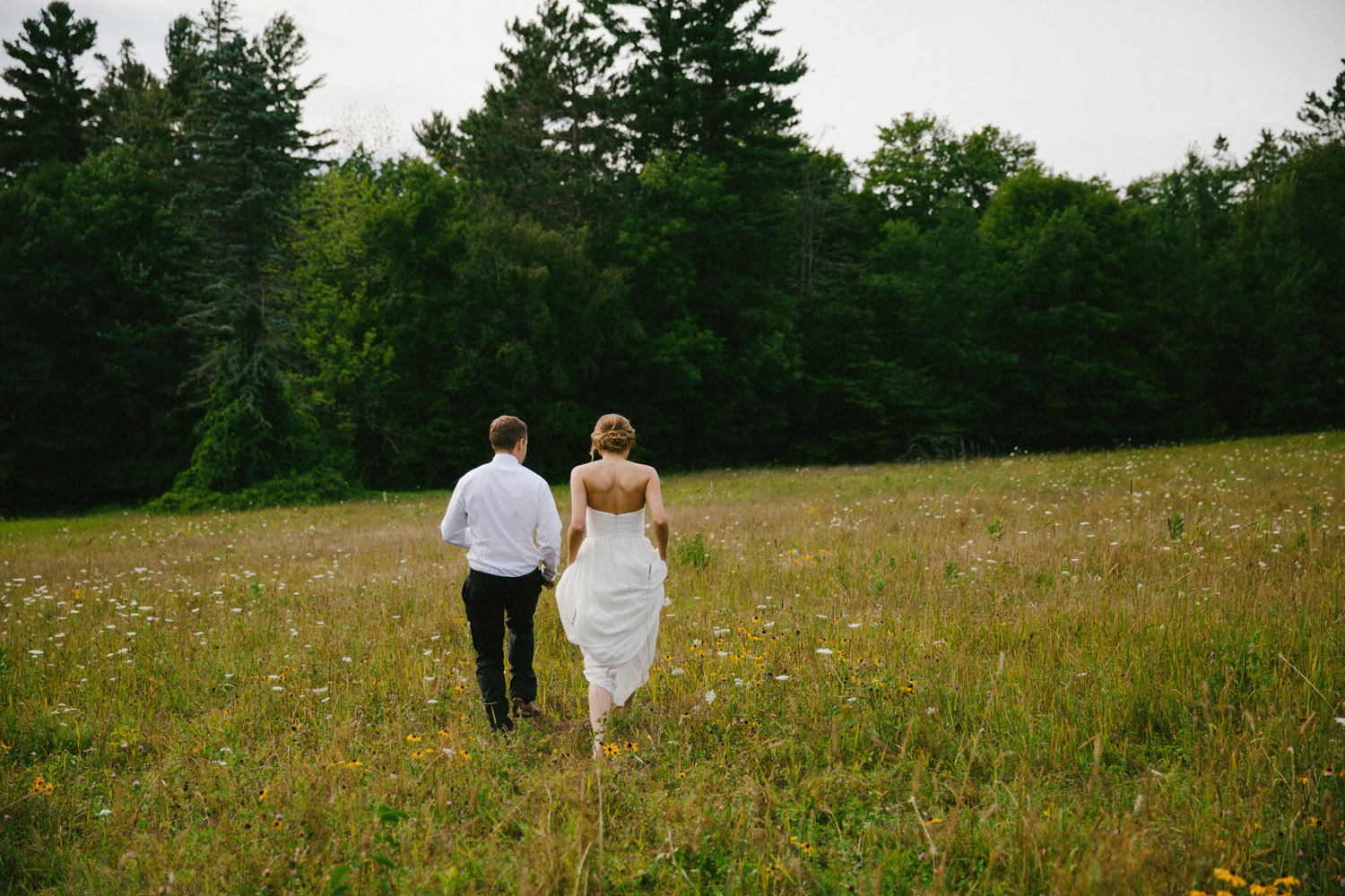 141-IntimateQuebecGardenWedding.jpg