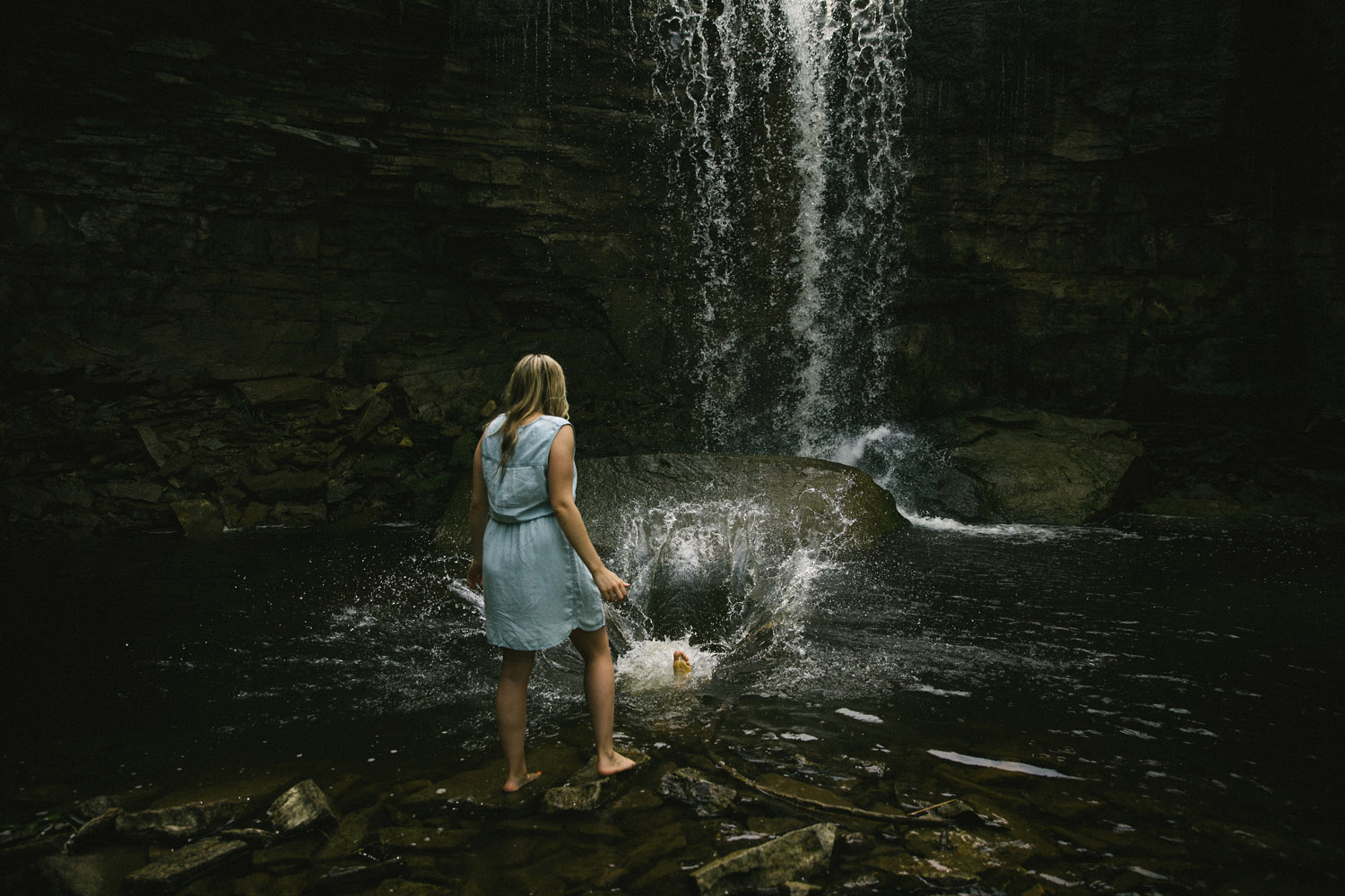 203-WaterfallEngagementSession.jpg