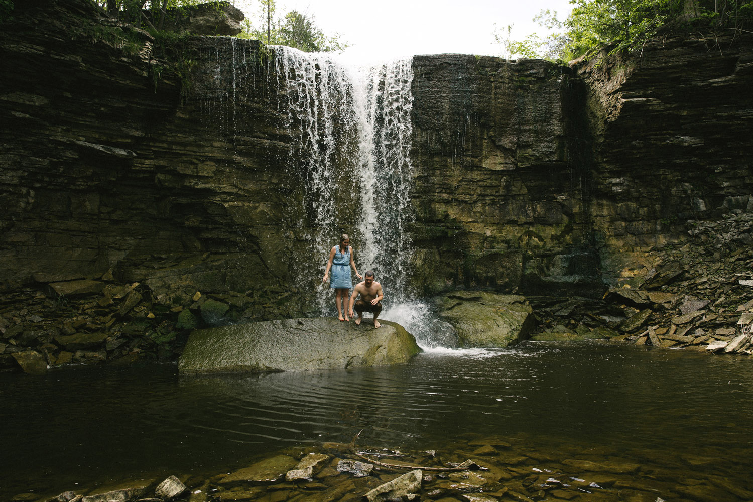 214-WaterfallEngagementSession.jpg