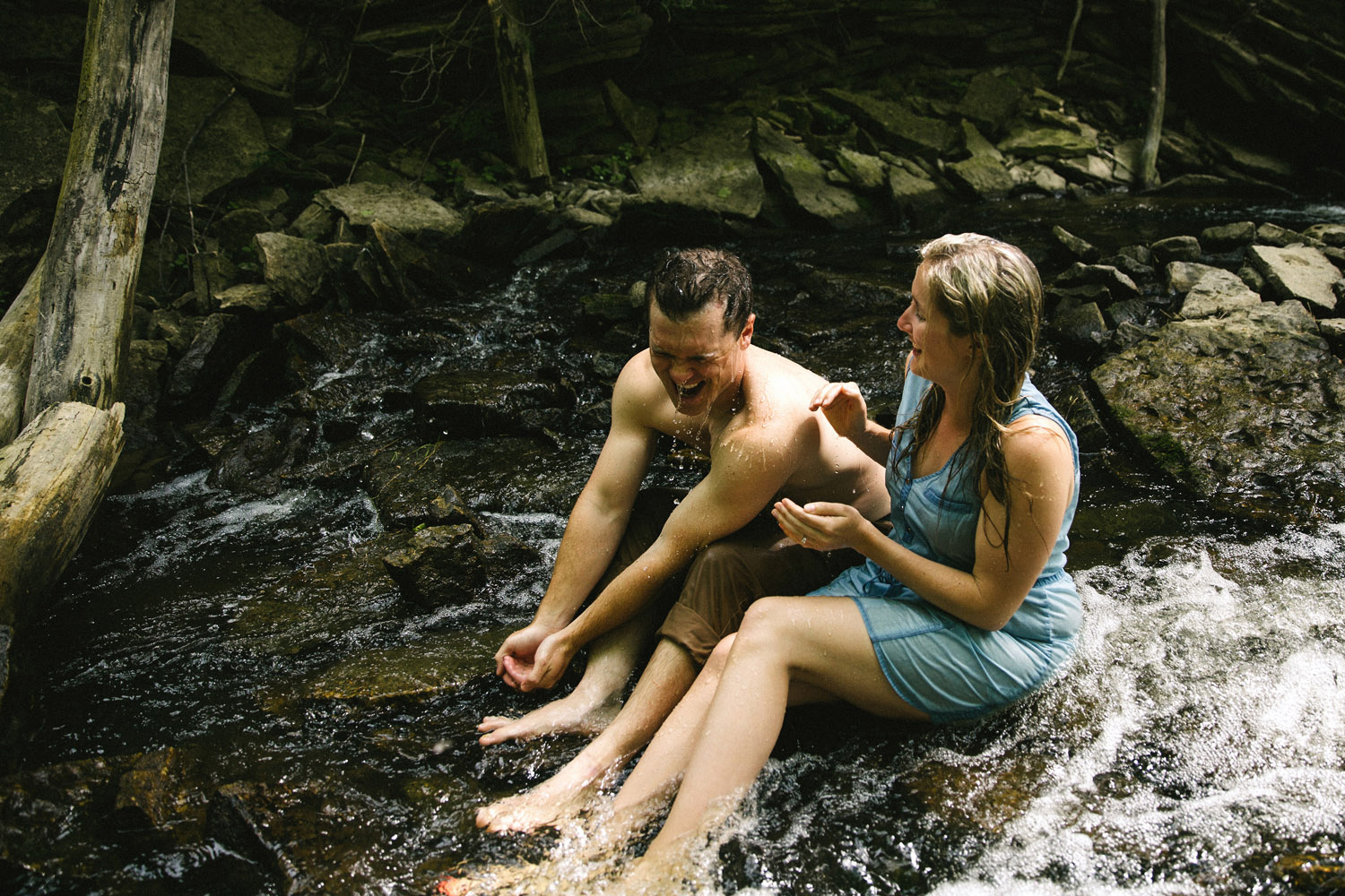 229-WaterfallEngagementSession.jpg