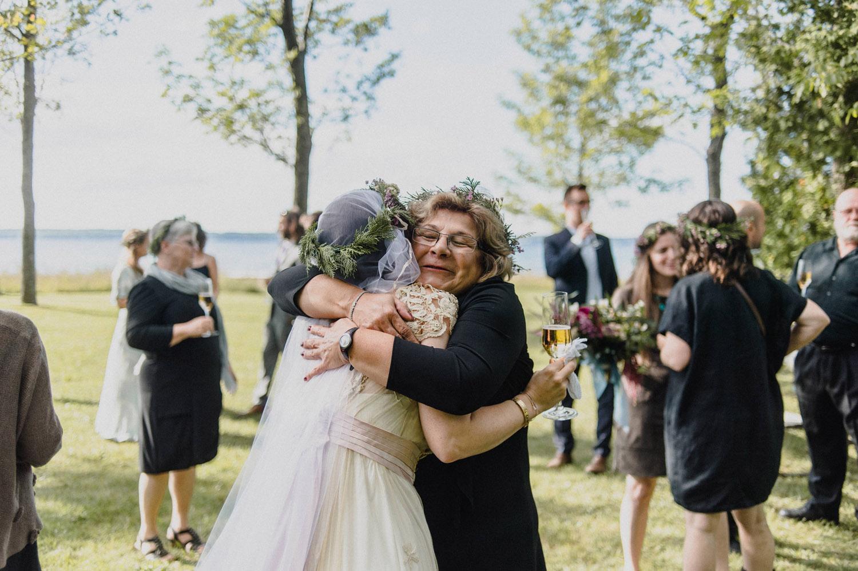 Jennifer-Moher-Hugh-Whitaker-Georgian-bay-wedding-134.jpg