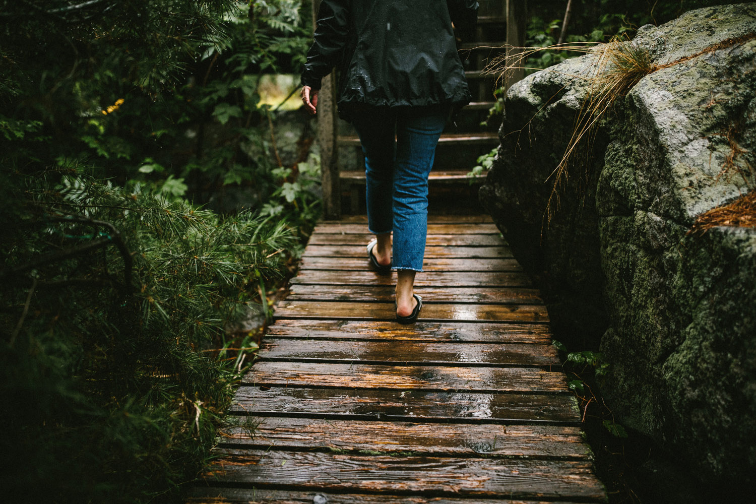 130-rainy-georgian-bay-engagement-session.jpg
