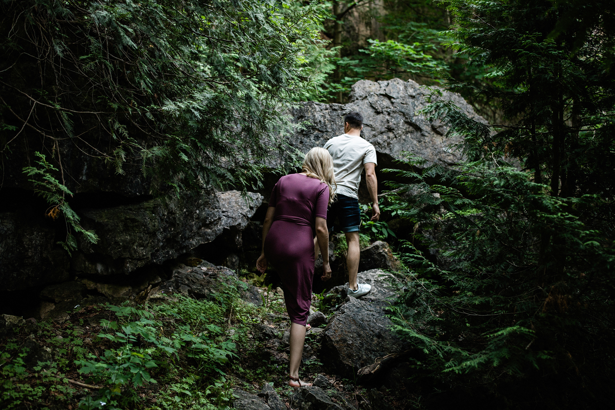 226-elora-gorge-sunset-engagement-session.jpg