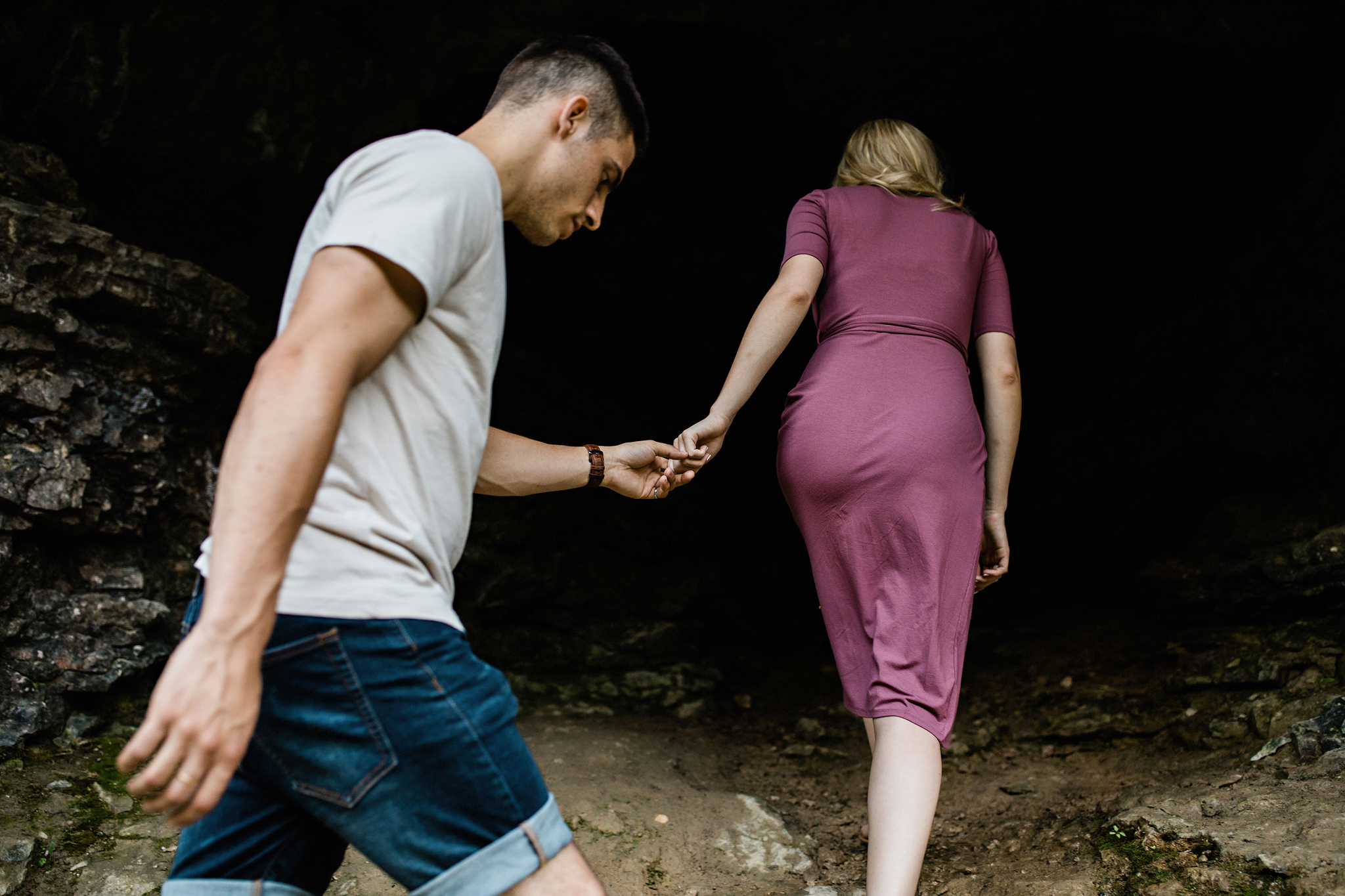 234-golden-hour-engagement-session-at-the-elora-gorge.jpg