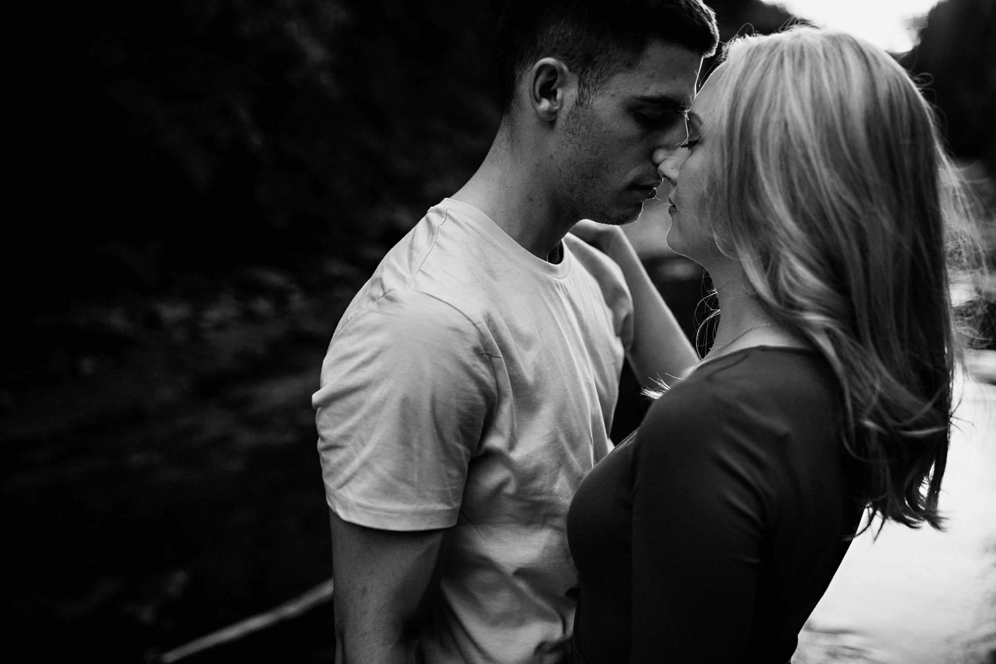 267-romantic-summer-elora-gorge-sunset-engagement-session.jpg