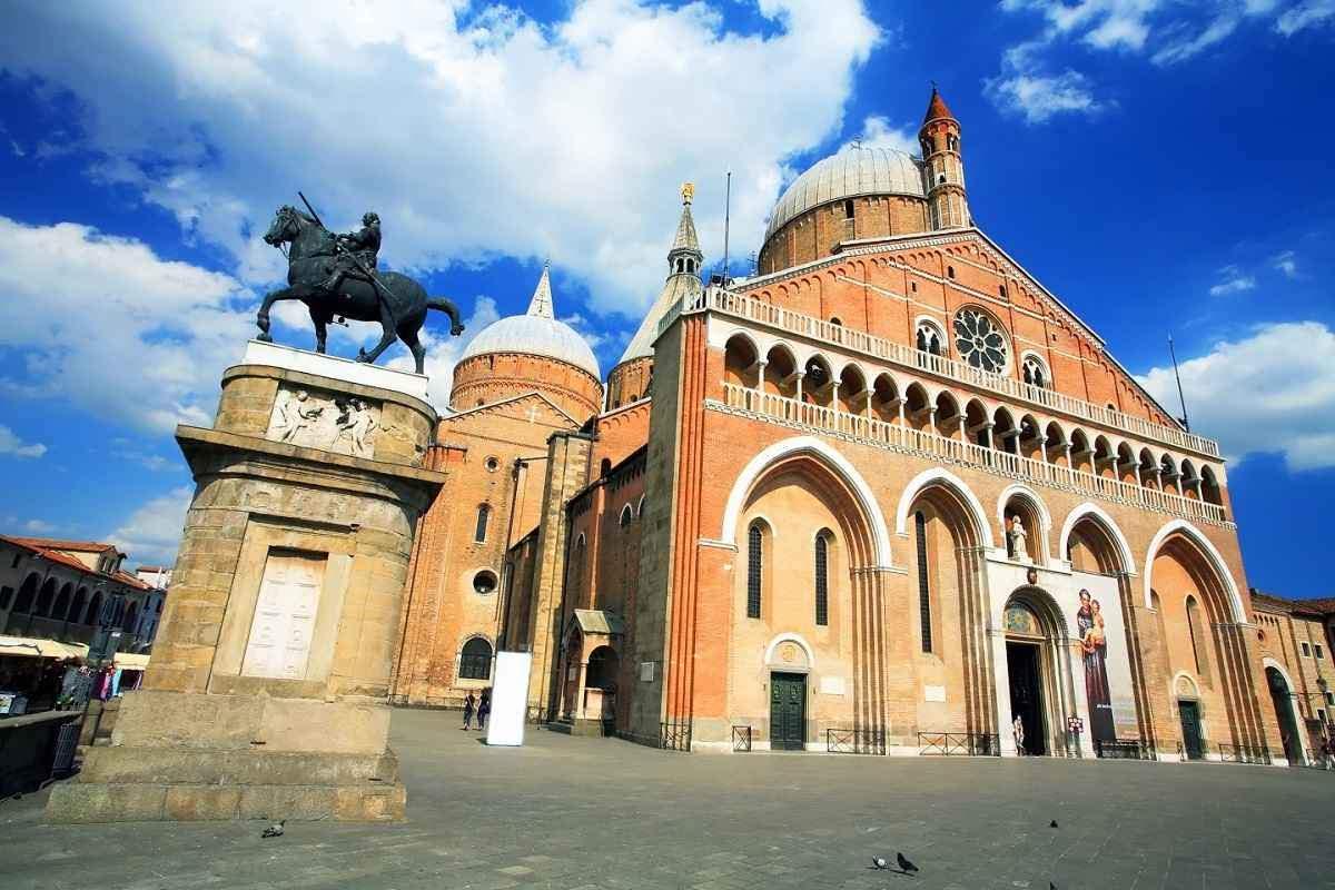 Basilica S. Antonio Pd.jpg