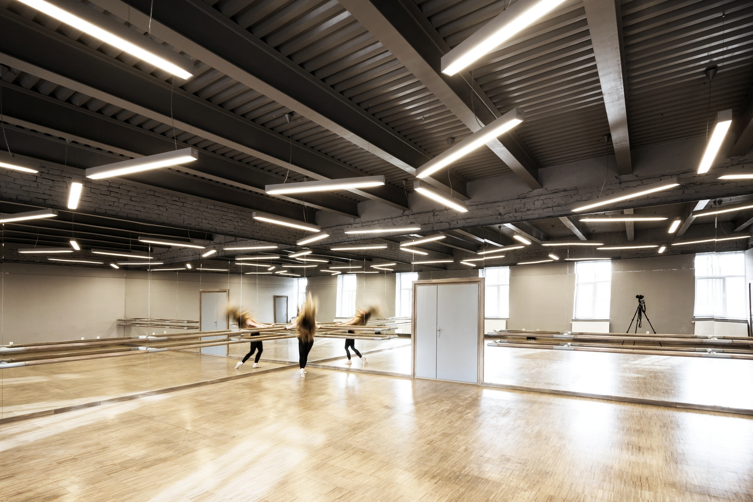 2.choreography studio classic:modern:contemporary dance.jpg