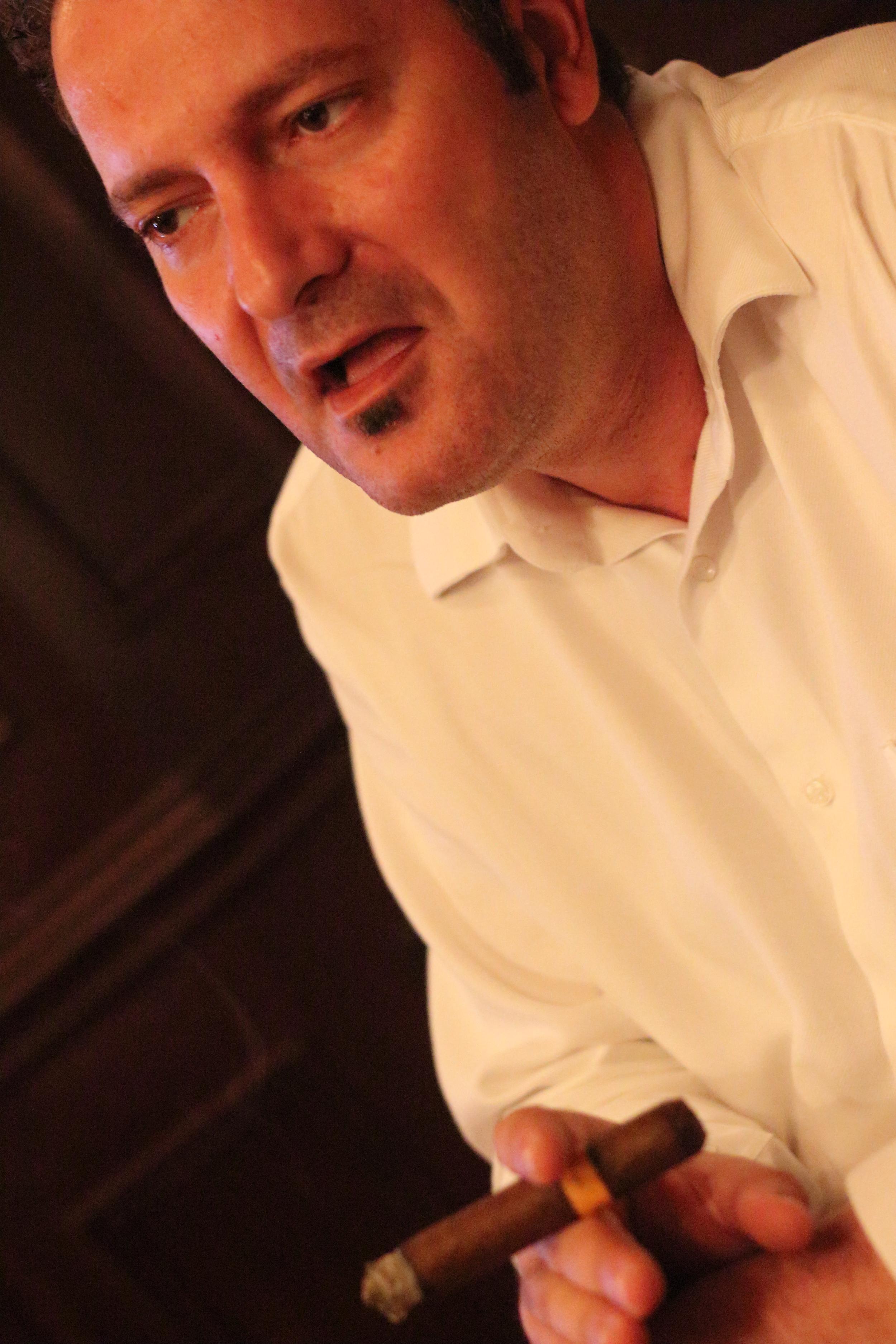 Claudio Sgroi: Maitre assembleur de cigares.