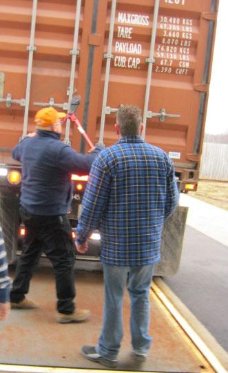 Trucker, remove that lock!