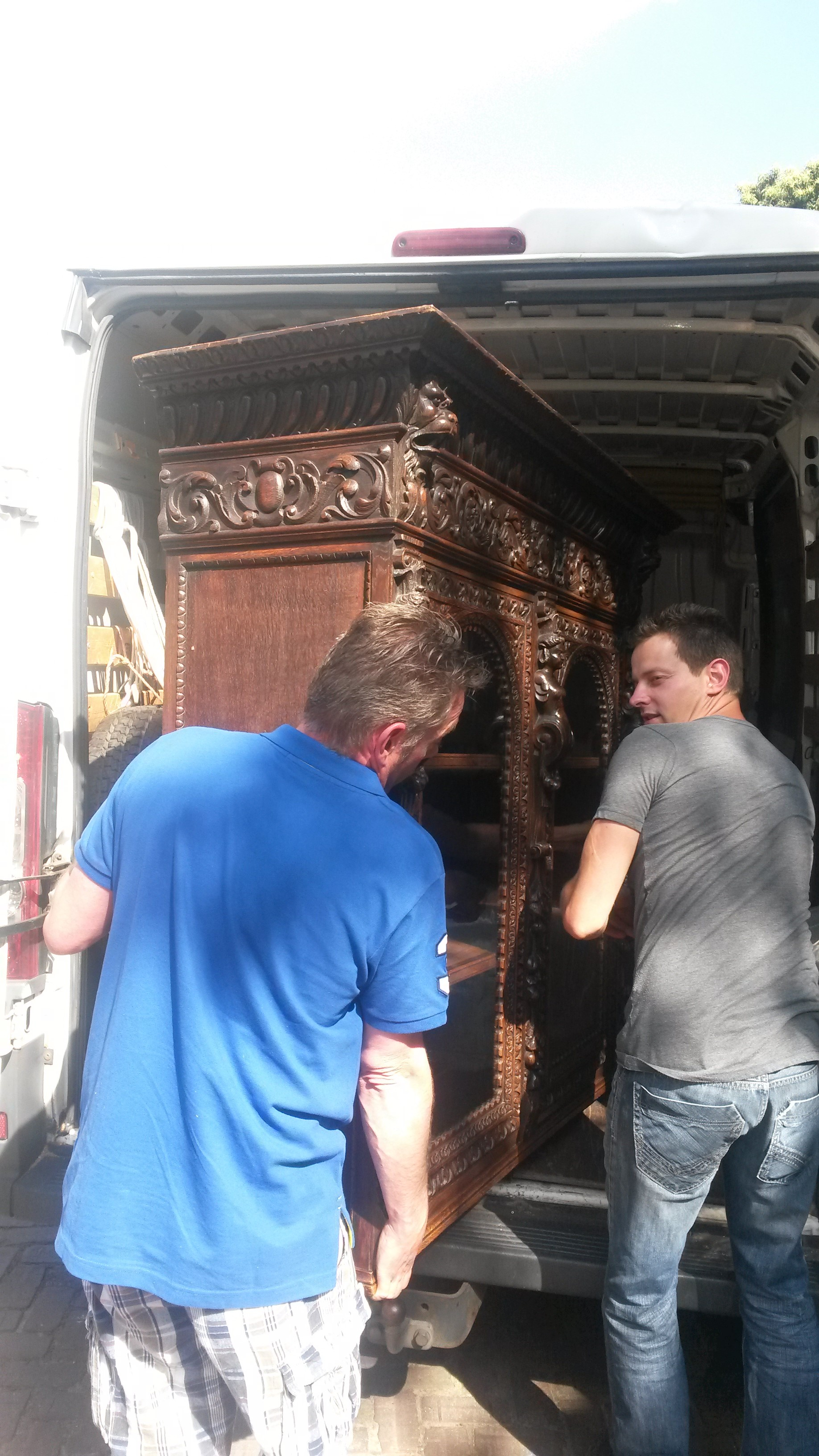 Europa Antiques on the road