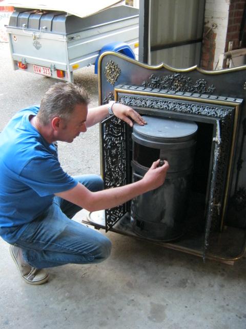 european_picker_europa_antiques.JPG