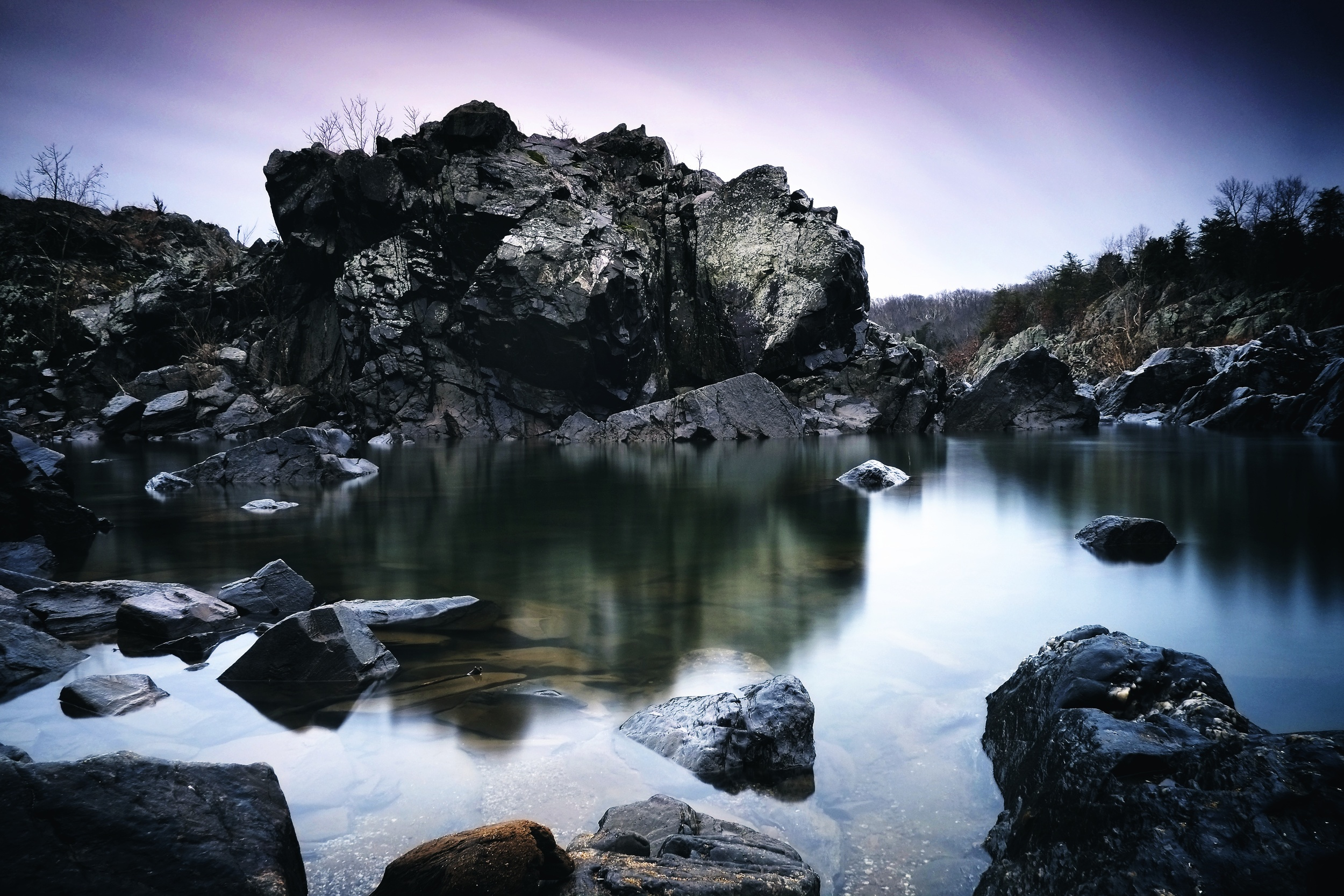 EXIF : ISO 200, f11, 17 seconds @ 18mm.  Filters : Big stopper + .6 Grad ND for sky.  Mid-mourning, cloudy day, mostly calm water.