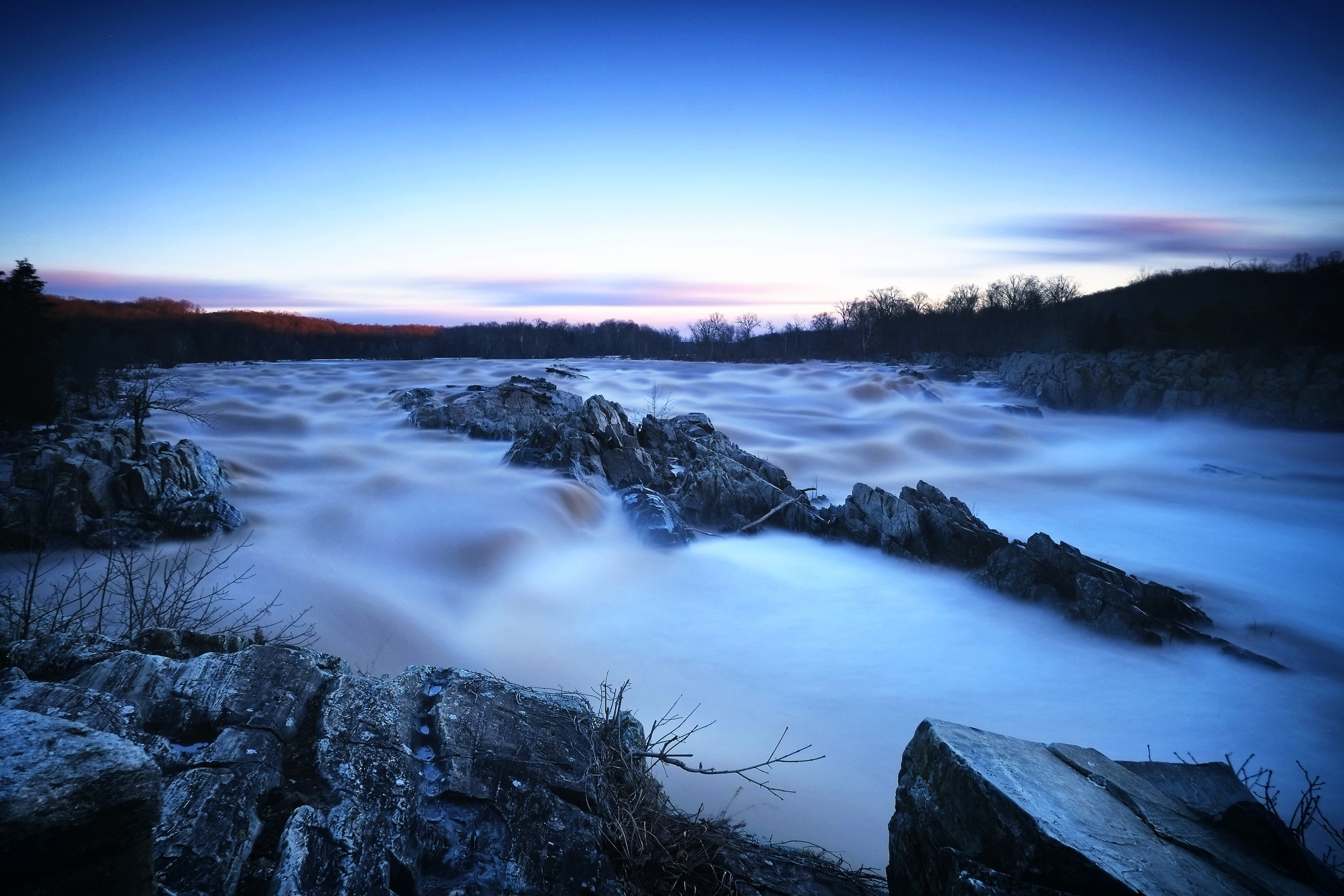 EXIF : ISO 200, f11, 120 seconds @ 18mm.  Filters : Big stopper.  Pre-dawn, extremely high and fast moving water.
