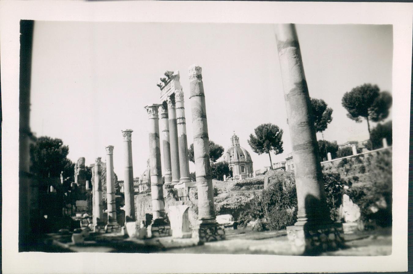 1944.Roman Forum,Rome, Italy.