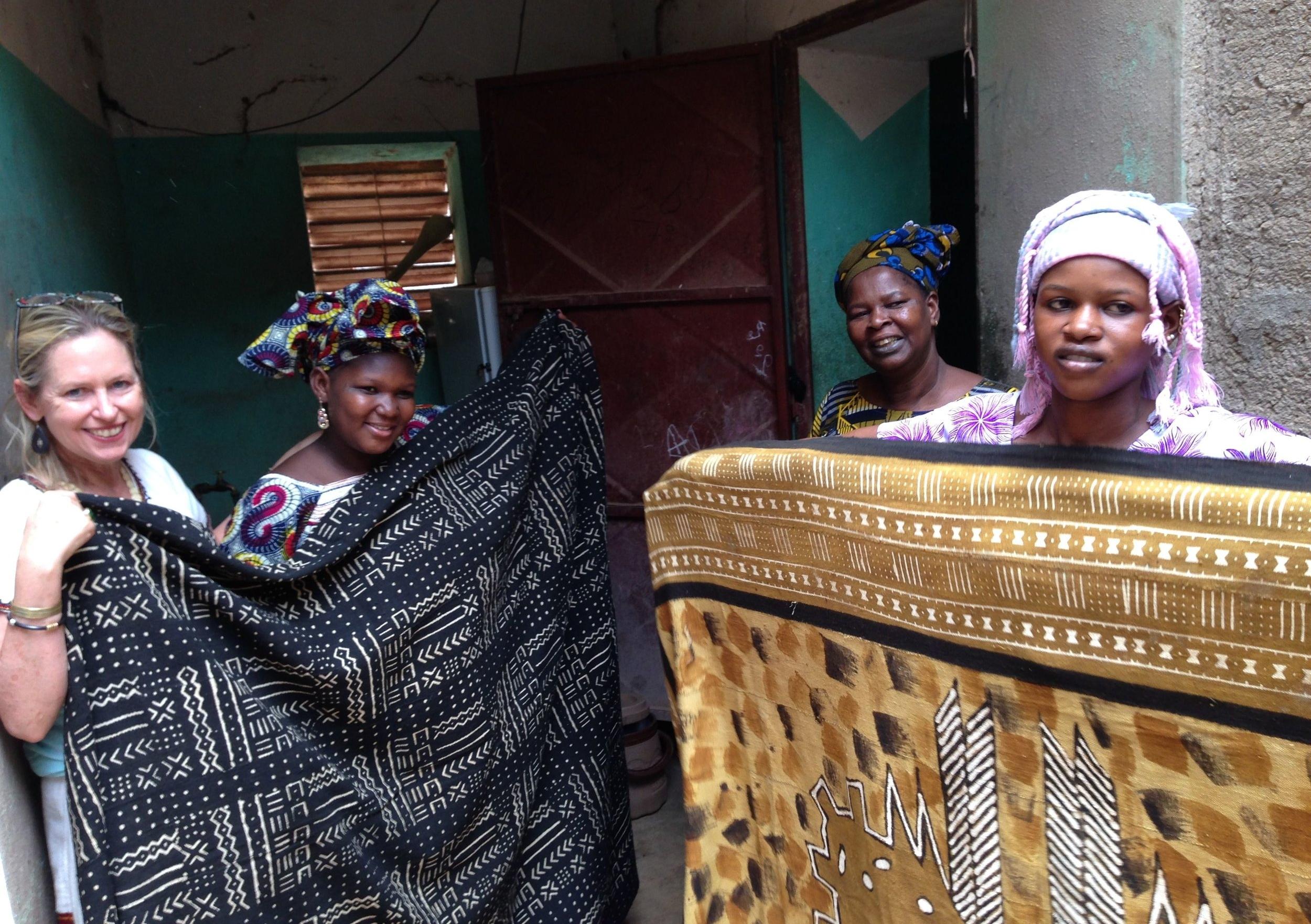 tanti with 2 fabrics,3 women me .jpg