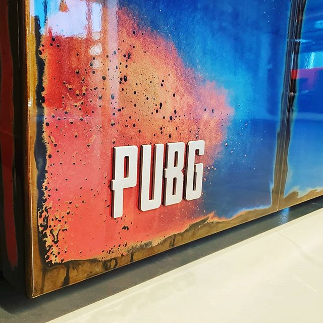 Cool project and client. Thanks for the installation help Jordon. #pubg #modernfurniture #moderndesign