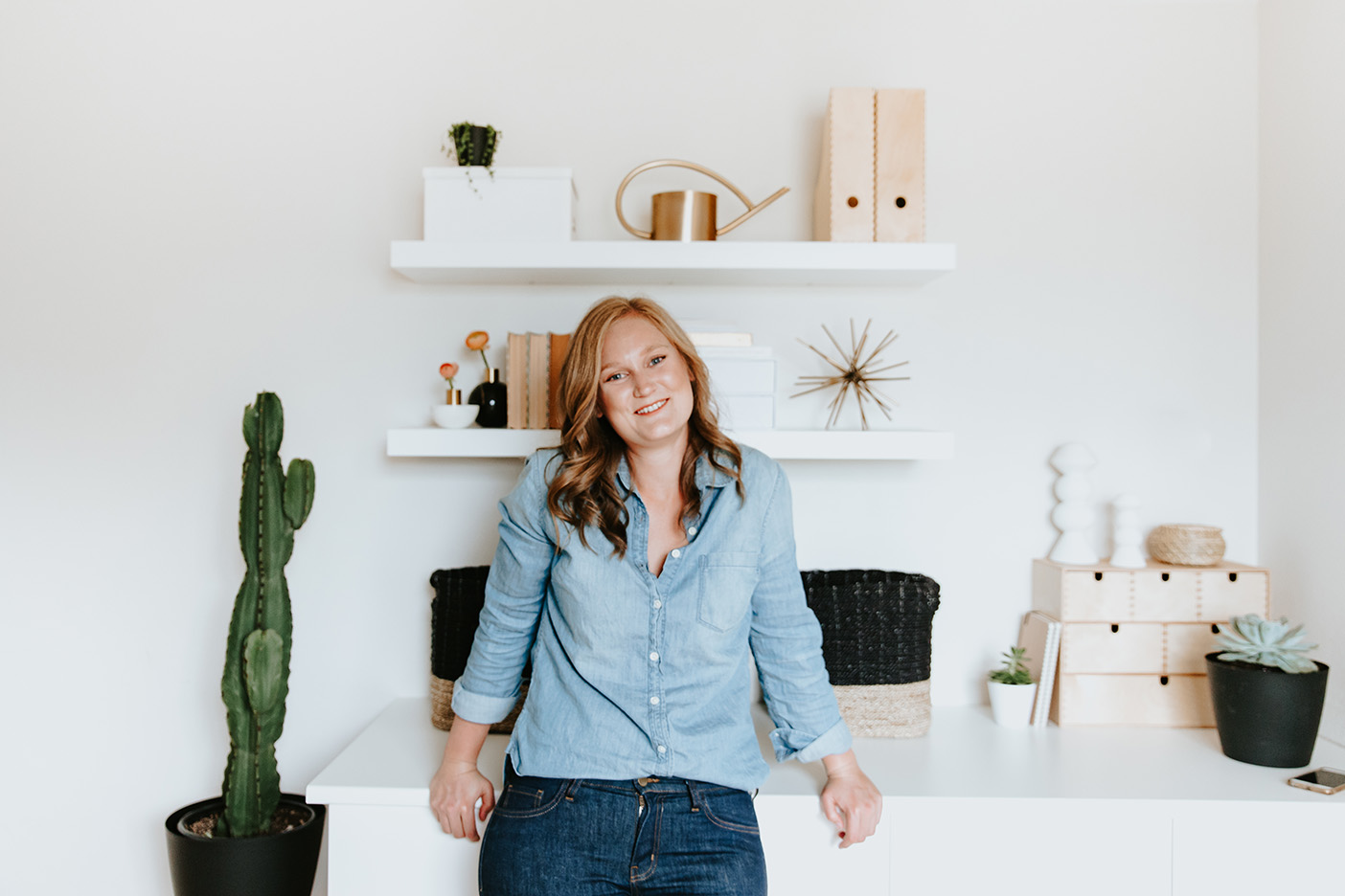 Meet the designer. - I'm Amanda, the brand and lifestyle designer behind Dennelly Design. Rooted in the power of intentional simplicity, I guide creative entrepreneurs toward the efforts that will make the biggest difference in their growing businesses.