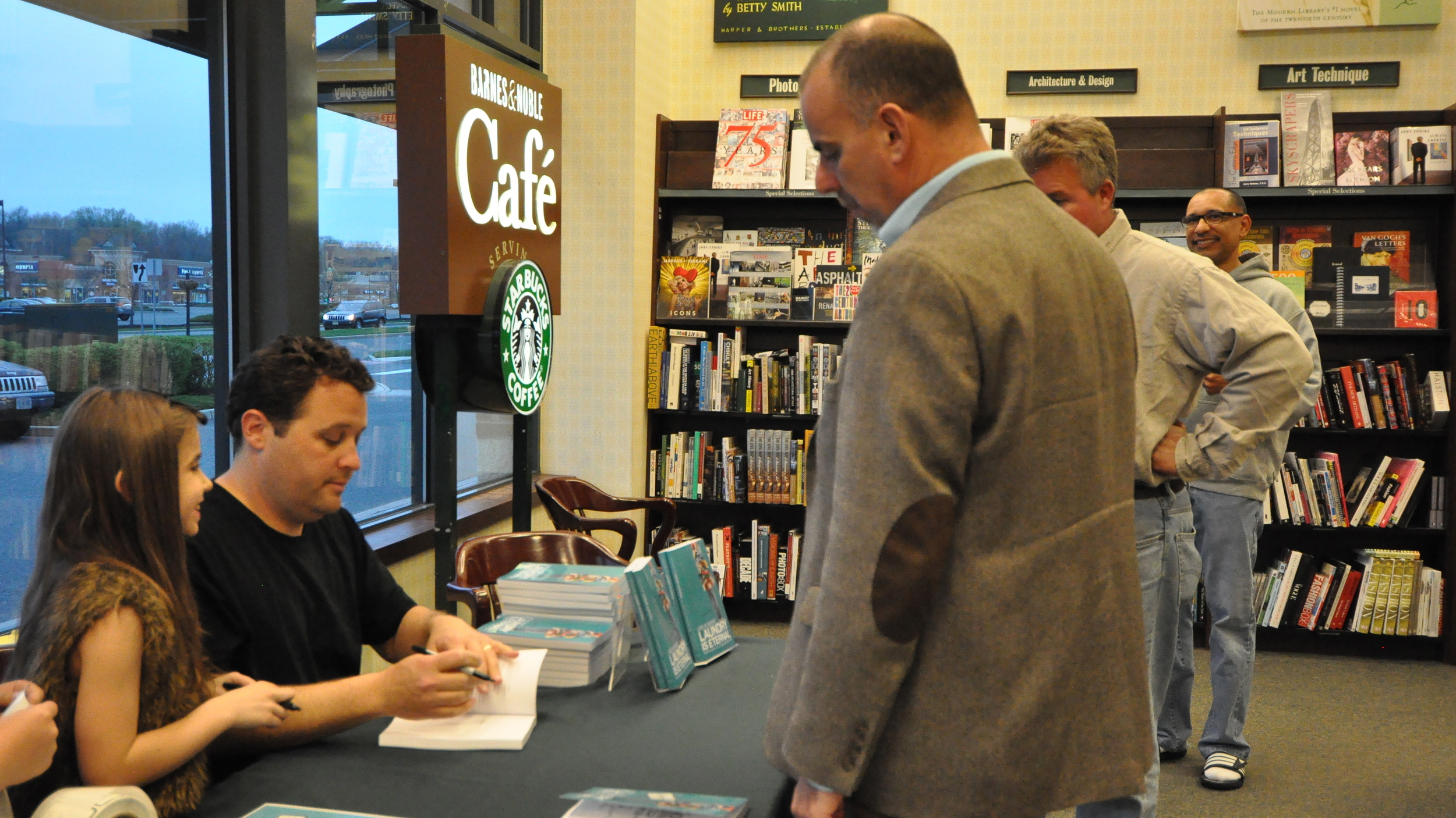 BN Book signing_lisBook_April18_0305.JPG