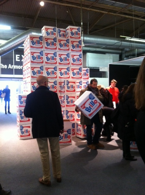 People lining up to take their Brillo boxes... and walking around the fair with them.