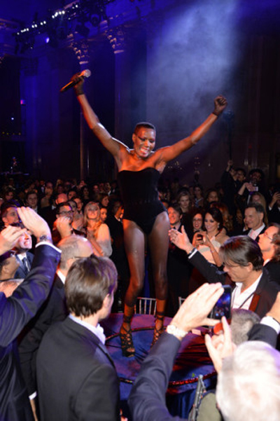 Grace at AmFar driving the crowd mad.
