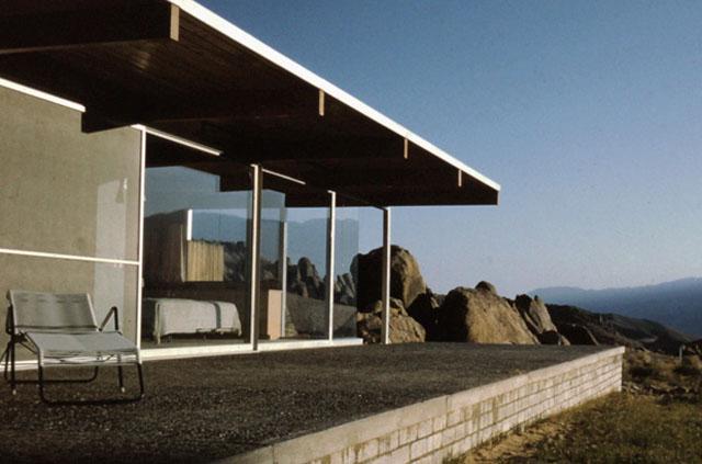 Interview-with-Mike-Dorsey-Director-of-The-Oyler-House-Richard-Neutras-Desert-Retreat-2.jpg