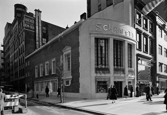 Schrafft's restaurant was built in 1938 at the corner of 13th Street and Fifth Avenue in Manhattan