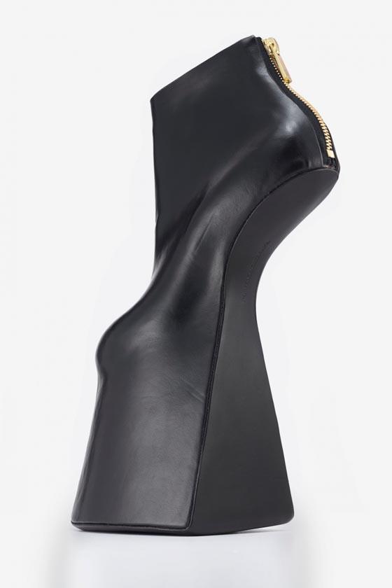 2012: Noritaka Tatehana, Atom, faux leather.