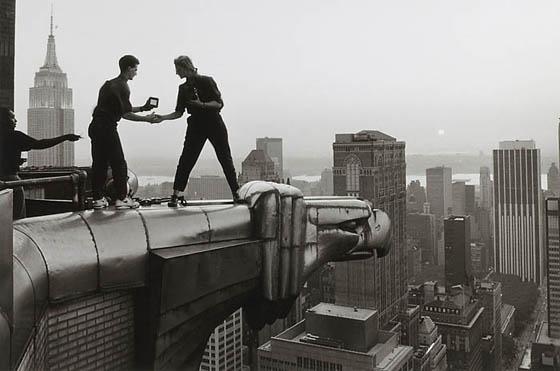 Annie Liebovitz, working a top the Chrysler Building, 2005